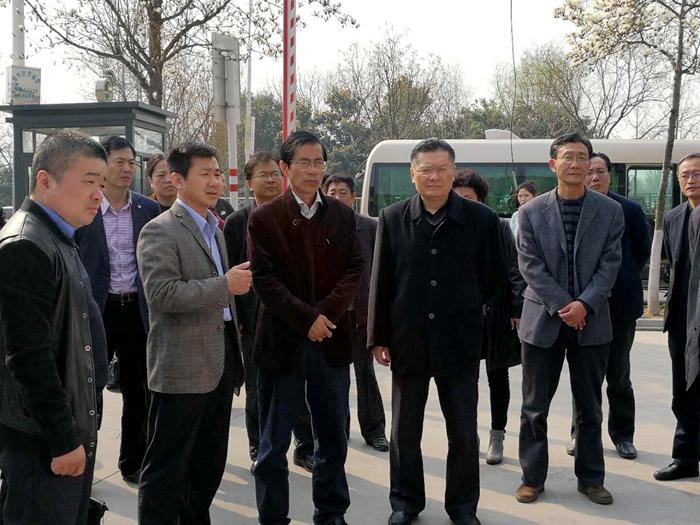 徐州市人大副主任李君超来我区专题调研缓解市区停车难工作