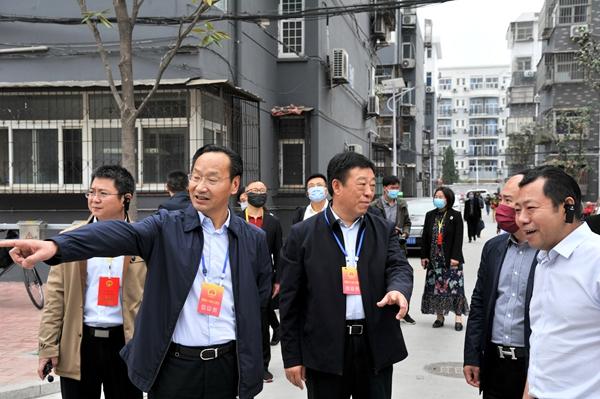 """泰山街道人大工委开展""""飞线""""整治视察活动"""